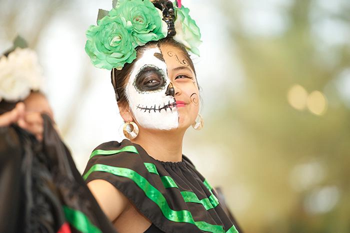 Festival del Dia de los Muertos // Day of The Dead Festival